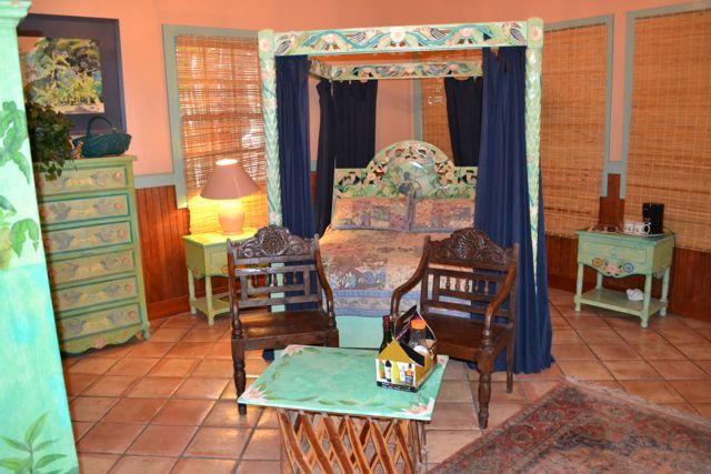 Jacaranada bedroom