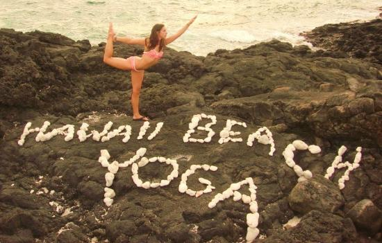 hawaii-beach-yoga