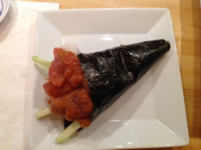 Spicy Tuna temaki hand roll MisoPhat